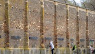 """Jeder für sich statt alle gemeinsam? Die """"Mauer der Nationen"""" im KZ Ravensbrück"""