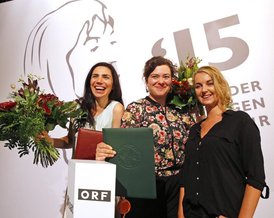Die Preisträgerinnen bei den Tagen der deutschsprachigen Literatur (von links): Dana Grigorcea (3Sat-Preis), Nora Gomringer (Ingeborg Bachmann Preis), Valerie Fritsch (Kelag Preis)