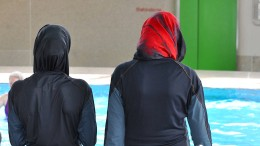 Weiter Kritik an Burkinis im Schwimmunterricht
