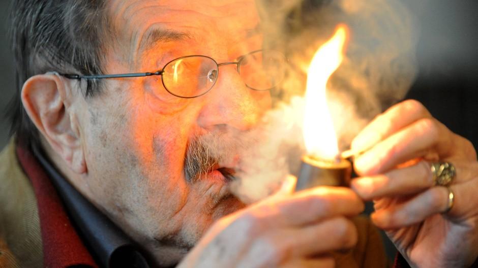 Beim Entzünden der Pfeife : Günter Grass