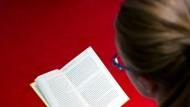 """Im literarischen Bereich lässt sich der Vergleich der """"Besten"""" ja noch verstehen. Doch bei Sachbüchern wird es schwierig."""