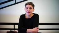 Autorin Felicitas Hoppe im Staatstheater in Darmstadt, vor der Verleihung des Georg-Buechner-Preises 2012. Inzwischen ist sie Grimm-Poetikprofessorin.