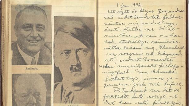 In Astrid Lindgrens Tagebüchern finden sich neben ihren Einträgen auch eingeklebte Bilder und Zeitungstexte.