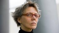 """""""Was macht die Rolle des Menschen im Kreislauf von Geben und Nehmen und Weiterreichen aus? Das ist für mich die Frage"""": Esther Kinsky."""