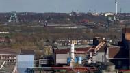 Geht es Deutschland schlecht? Die Stadt Bochum besang einst Herbert Grönemeyer, mit dem Christoph Amend gesprochen hat.