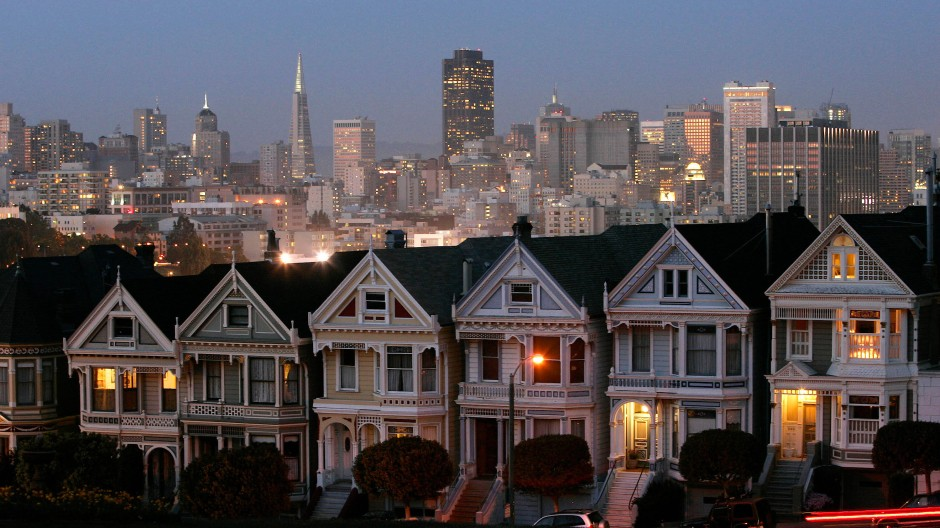 In den Straßen von San Francisco treffen bei Jim Nisbet Modernität und Altertümlichkeit aufeinander.