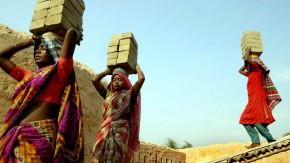 Frauen in Indien: Das Kollektiv straft mit Gewalt und Isolation