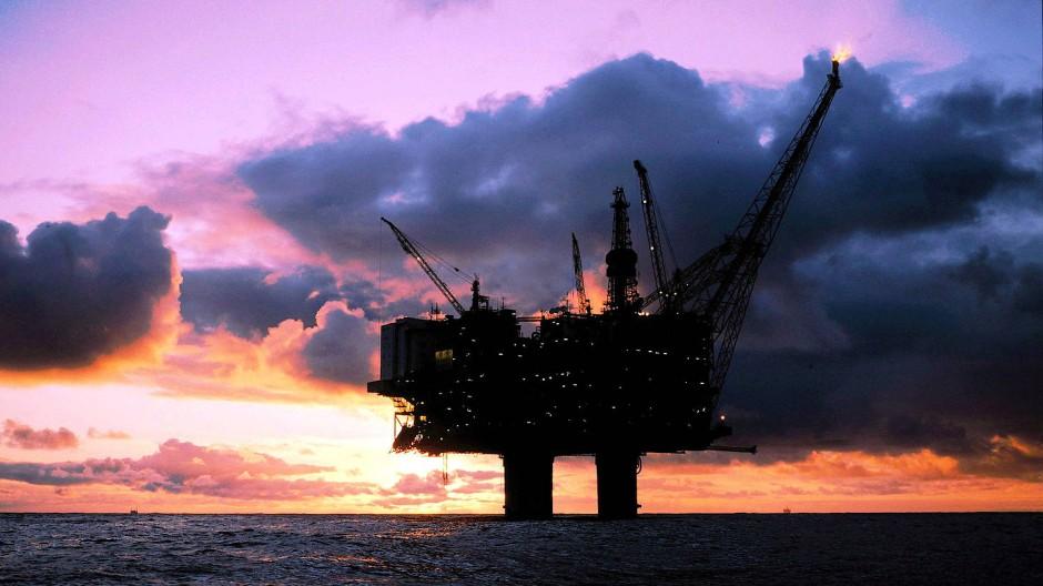 Ian Morris zeigt, dass Ölplattformen mehr mit unseren Wertvorstellungen zu tun haben, als man annehmen würde.