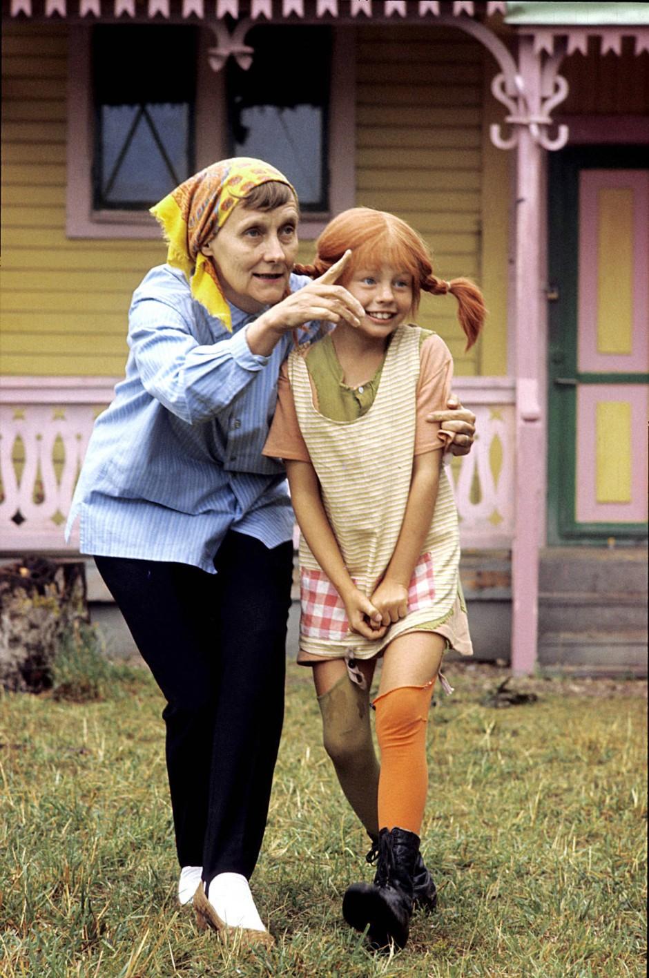 Astrid Lindgren und Inger Nilsson bei den Dreharbeiten 1968