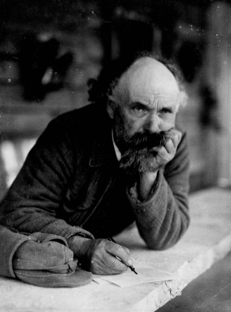 Aus den literarischen Kreisen hielt er sich fern, seine wahre Meinung über das System liest sich nur in seinen Tagebüchern: Michail Prischwin.