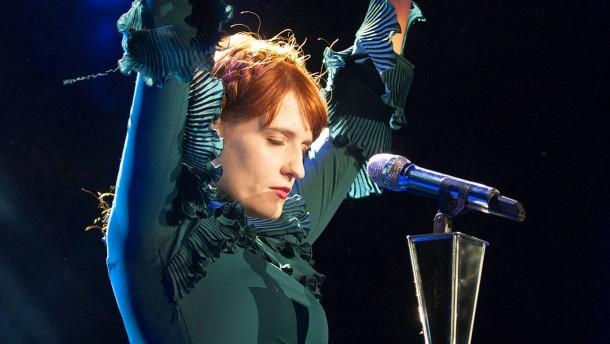 Florence Welch - Die britische Sängerin tritt in der Konzerthalle Jahrhunderthalle in Frankfurt auf.