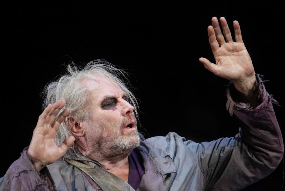 Selbstgewisse Würde und trotzige Einsamkeit: Klaus Maria Brandauer als Ödipus bei den Salzburger Festspielen 2010
