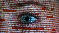 """Wenn unsere eigenen Daten uns erschrecken: Was deren Herausgabe alles anrichten kann zeigt das """"Suddenlife Game"""" des Theaterstücks """"Supernerds""""."""