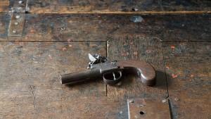 Wer reichte Werther die Pistole?