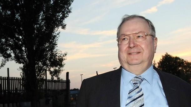 SPD-Vorsitzender Gabriel besucht von rechtsradikalen Anschlaegen bedrohtes Jugendzentrum
