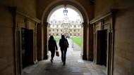 Auch die Universität Cambridge gehört nun zu den englischen Hochschulen, die ihre geschichtlichen Verbindungen zum Sklavenhandel überprüfen wollen.