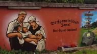 """""""Völkische Landnahme"""": Die Abbildung aus dem gleichnamigen Buch von Andrea Röpke und Andreas Speit zeigt das Dorf Jamel in Mecklenburg-Vorpommern."""