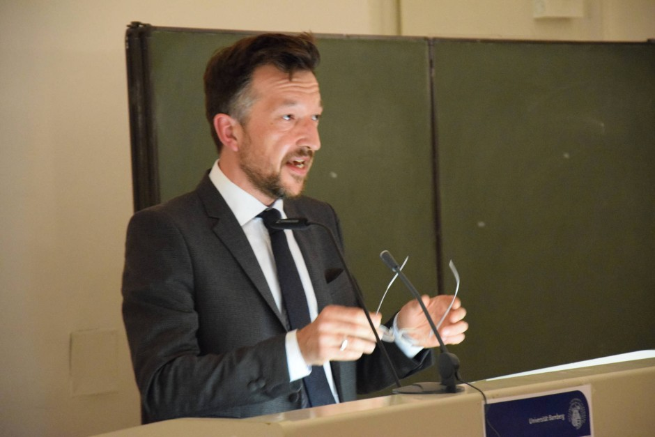 Lukas Bärfuss bei der Bamberger Poetikprofessur 2015.