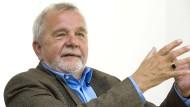 Erhält am Dienstag den von Helmut Schmidt initiierten Deutschen Nationalpreis: der Schriftsteller und Philosoph Rüdiger Safranski