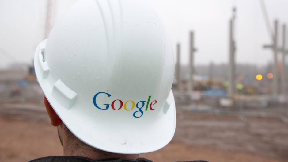 Die digitale Welt als Baustelle: Im Frühjahr 2013 entsteht im belgischen Saint-Ghislain ein Datenzentrum Googles