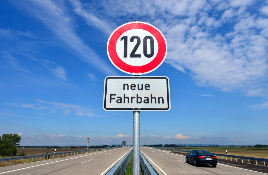 Derbe Deutsche Strassen Stecher auf Fick Tour
