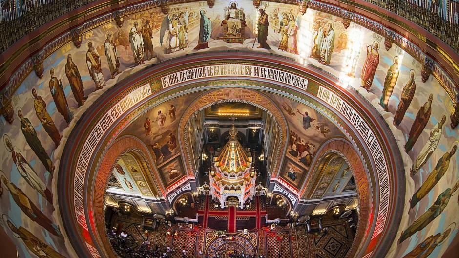 Die russisch-orthodoxe Kirche ist in vielen Dingen weit von der evangelischen Kirche entfernt. Dennoch entstand zwischen beiden Kirchen ein Dialog.