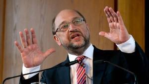 Schulz haut zu