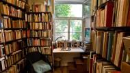 Oase der Entschleunigung: Finden die Menschen zum Buch zurück, wie hier im Basler Antiquariat Pfister?