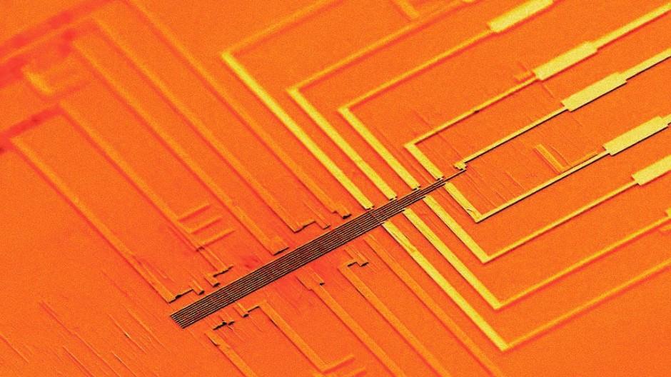 Digital geht's eben schnell: Ein Prozessor aus Nanodrähten.