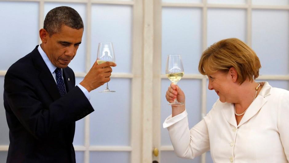Zunächst galt es die Feierstunde nicht zu gefährden: Barack Obama und Angela Merkel am 19. Juni in Berlin
