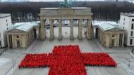 Vor 150 Jahren wurde das Rote Kreuz gegründet. Heute sind mehrere Millionen Menschen für die Organisation tätig.