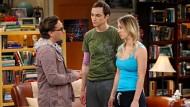 """Mit seiner deutschen Stimme klingt Sheldon Cooper (Mitte) aus """"Big Bang Theory"""" nur noch nach der typisch deutsch-humorischen Aufgeräumtheit."""
