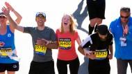 Marathonläufer von Boston gedenken der Anschlagsopfer
