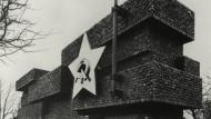 Berliner Konfliktpotential: Das Revolutionsdenkmal Mies van der Rohes soll rekonstruiert werden
