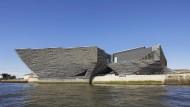 Ein Museumstanker gegen den industriellen Niedergang: das neue Victoria and Albert Museum in Dundee vom japanischen Architekten Kengo Kuma.