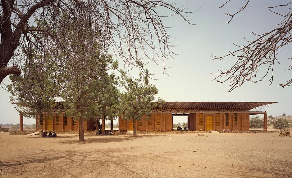 Die Grundschule von Gando in Burkina Faso wurde ebenfalls von Francis Kérés erbaut.