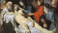 Anatomie des Todes: Während die Muttergottes die toten Augen ihres Sohnes schließt und mit ihrer Rechten Dornen aus seinem Haupt entfernt, trauert zu seinen Füßen Christi Großmutter um ihren Enkel.