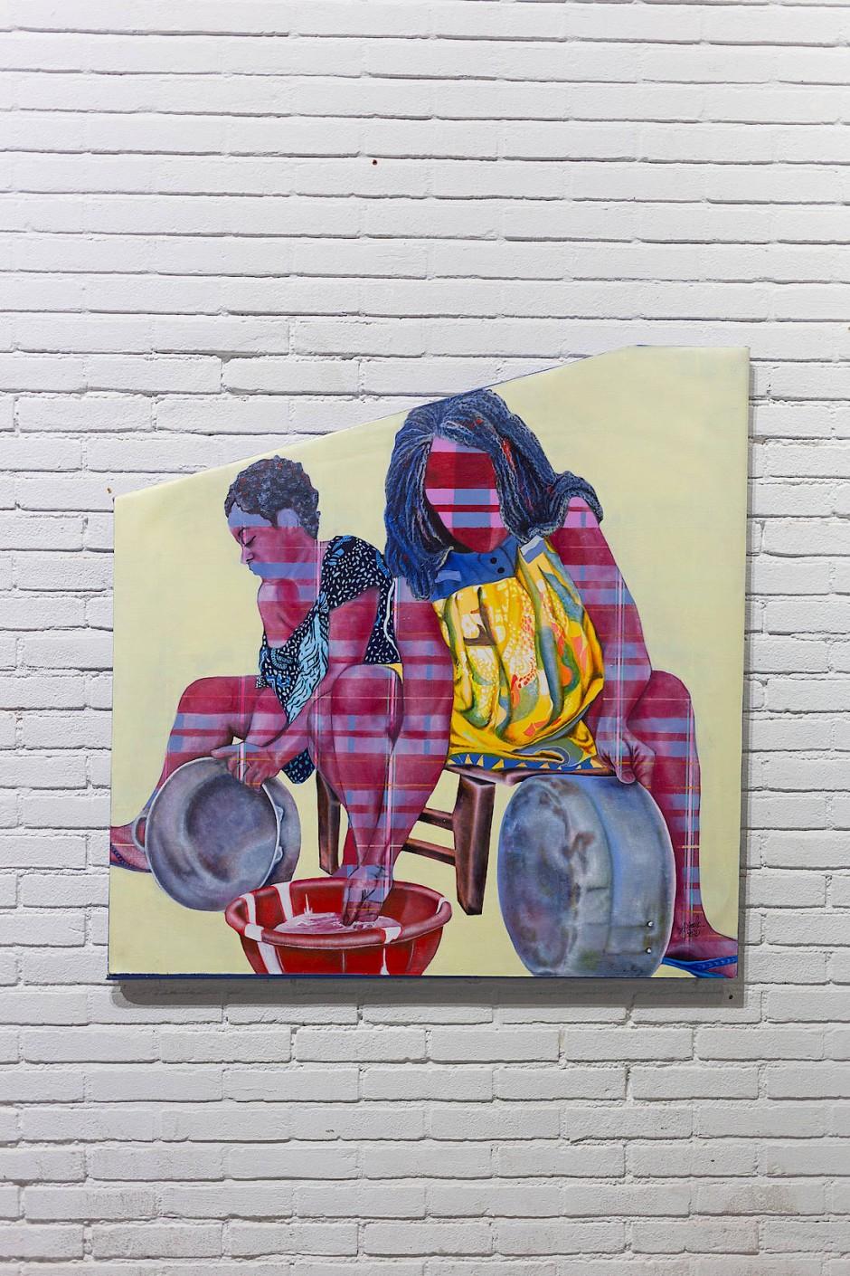 Vom Tellerwäscher zum Pfannenwäscher: In triefender Ironie überzieht die Malerin Alida Ymele aus Kamerun die von ihr porträtierten waschenden und putzenden Frauen mit dem Raster der Moderne.