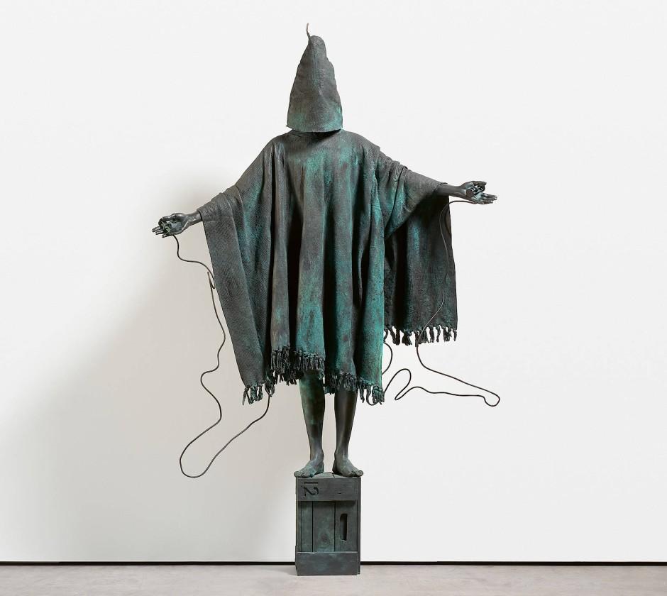 "Lebensgroße Bronze: Marc Quinn, ""Mirage"", 2009, 233 mal 147 mal 50 Zentimeter, Taxe 80.000/120.000 Euro."