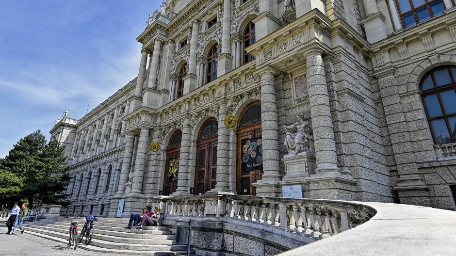Das Kunsthistorische Museum in Wien. Jährlich werden in Österreich fünfzehn ausgewählten Museen vom Bund je 36500 Euro zum Ankauf von Werken österreichischer Künstlerinnen und Künstler zur Verfügung gestellt.