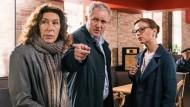 Sie haben was aneinander: Adele Neuhauser (links) und Harald Krassnitzer spielen ihre Kommissare als mitunter recht zerknittertes Paar.