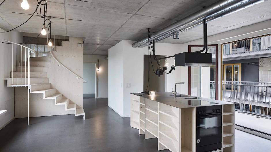 Für den Lebensabschnitt, der ganz besonders als Baustelle bekannt ist: Blick in eine Küche des Studierendenhauses in Basel.