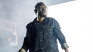 Kendrick Lamar ist eine Stimme seiner Generation. Bemerkenswert ist seine stilistische Offenheit, die ihm interessante  Kollaborationen mit anderen Musikern aus einer Stadt erlaubt.