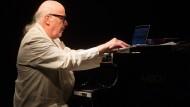 Ein großer Stilist, der es nie nötig hatte, Geschwindigkeitsrekorde zu brechen oder babylonische Klaviertürme zu errichten: Wolfgang Dauner.