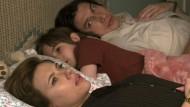 """Keine glückliche Familie: Scarlett Johansson, Azhy Robertson und Adam Driver in """"Marriage Story""""."""