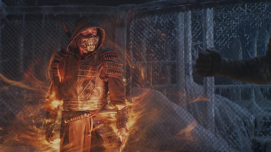 Frisch zurück aus der Hölle: Scorpion (Hiroyuki Sanada) heizt seinem Kontrahenten Sub-Zero ein.