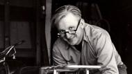 Robert M. Pirsig (1928 - 2017).
