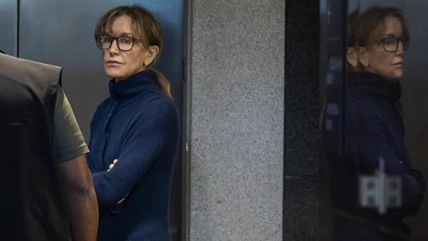 Schauspielerin Huffman bekennt sich schuldig