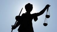 Bewährungsstrafe für Geisterfahrt: Elf Monate nach der tödlichen Fahrt spricht das Bad Homburger Amtsgericht sein Urteil