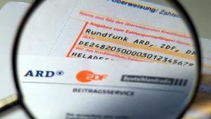 Flüchtling? Zahlen Sie für ARD und ZDF!